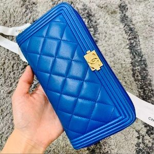 Coming soon/Chanel Le Boy Wallet (fits phone)